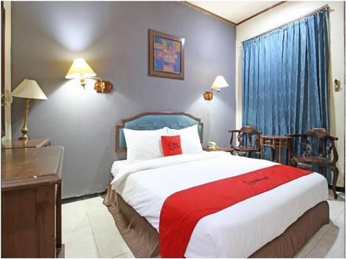 View Kamar Hotel RedDoorz near Malioboro Tugu Station Jogja
