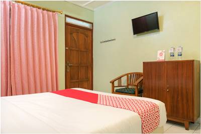View Kamar OYO 585 Hotel Perwita Sari